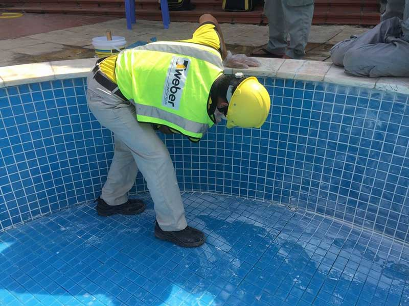 chà ron bể bơi bằng weber.color hr