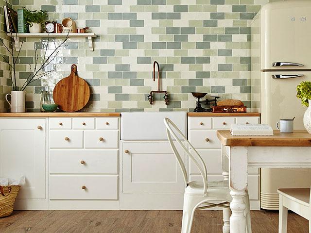 trang trí tường phòng bếp với gạch ốp tường1