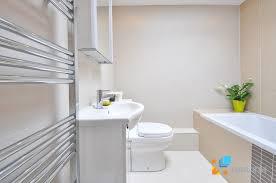 giá gạch lát nền nhà vệ sinh