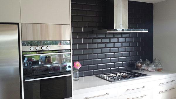 Top mẫu gạch ốp tường bếp đẹp không thể bỏ lỡ 17