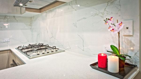Top mẫu gạch ốp tường bếp đẹp không thể bỏ lỡ 9